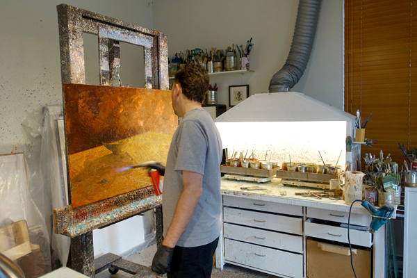 2_another-view-of-alexandre-working-on-an-encaustic-painting-photo-yechel-gagnon